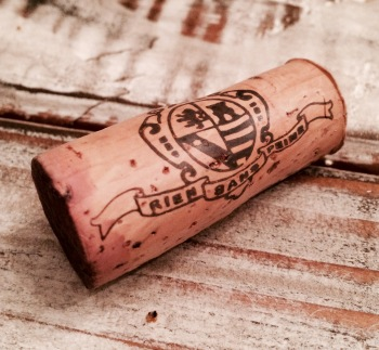 "Cork Rating:  7/10 (You don't see an Italian cork with a French motto often.  ""Rein Sans Peine"" -- ""Nothing Without Struggle"".)"