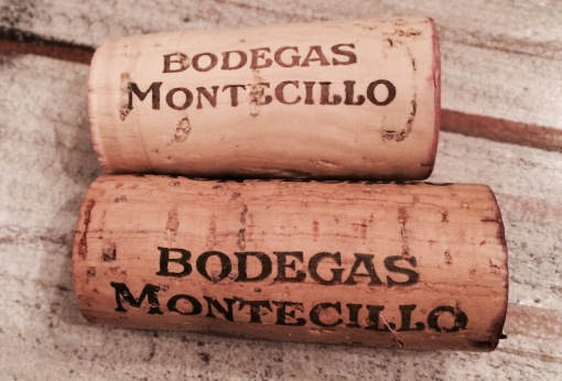 Cork Ratings:  2.5/10 & 5/10 (Guess which one is for the Reserva?  Size does matter.)